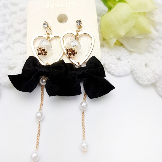 Black ribbon earings 02